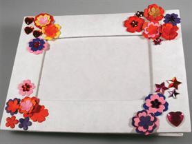 fleurs en carton travaux manuels et loisirs cr atifs. Black Bedroom Furniture Sets. Home Design Ideas